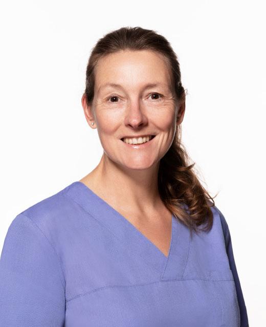 Oralchirurgin Dr. Iris Oberfahrenhorst
